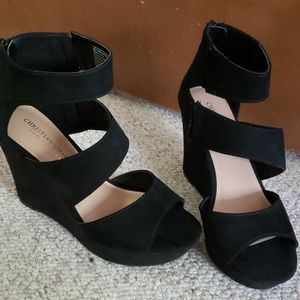 Cute Strappy Black Wedges